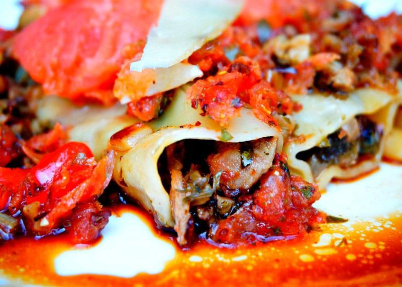 Рецепт приготовления каннеллони с уткой в томатном соусе фото
