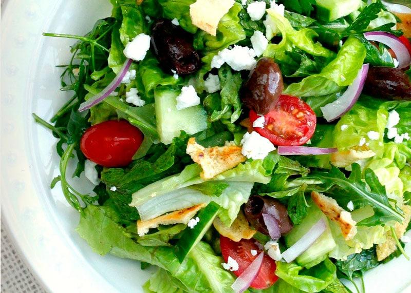 Рецепт приготовления салата с курицей Фатуш фото