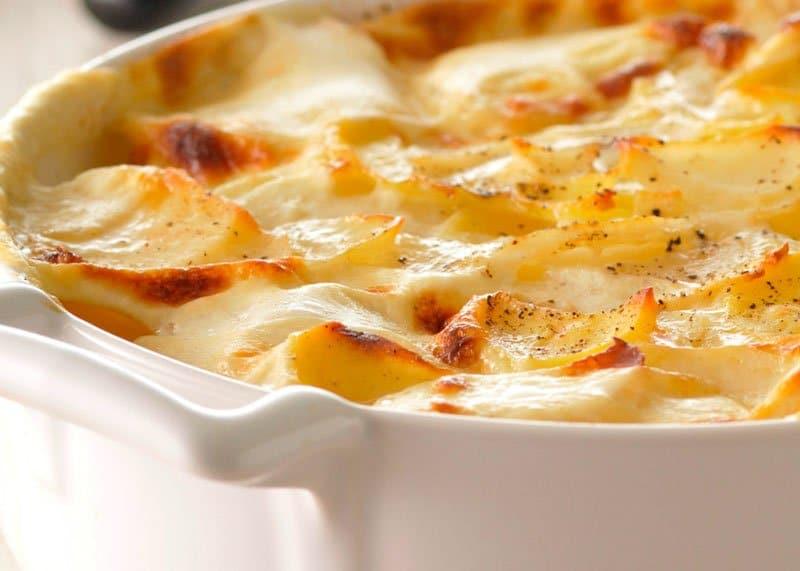 Рецепт приготовления Гратена Дофинуа с картофелем, луком и пармезаном фото