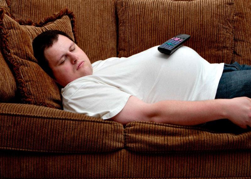 Почему человек поправляется от недосыпания фото