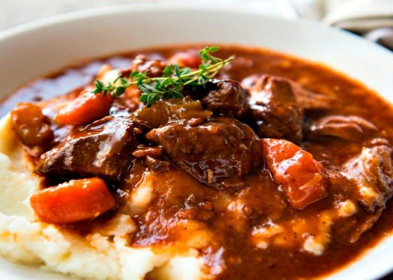Рецепт приготовления жаркое из баранины с темным Гиннесом по-ирландски фото
