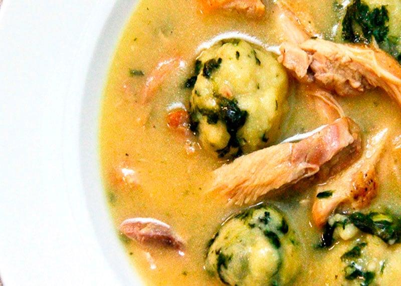 Рецепт приготовления куриного супа с грецкими орехами и галушками фото