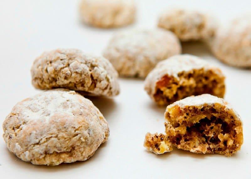 Рецепт приготовления печенья медового с грецкими орехами по-тоскански или каваллуччи фото