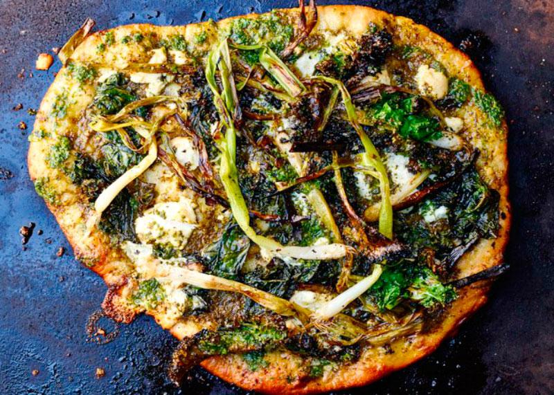 Как приготовить пиццу с жаренным зеленым луком и рикоттой фото