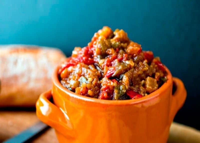 Как приготовить соус из помидор, баклажанов, сладкого перца и лука или самфаина фото