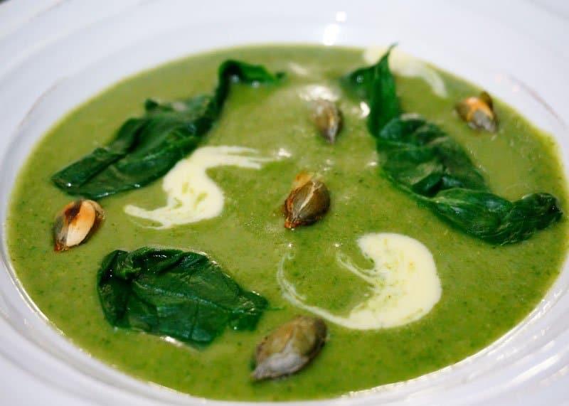 Рецепт приготовления супа пюре из шпината, брокколи и картофеля фото