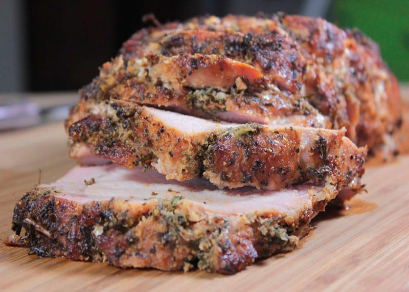 Рецепт приготовления свиной вырезки, запеченной в травах по-бенедектински фото