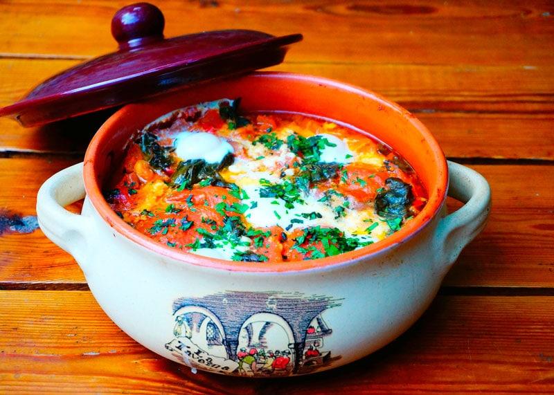 Рецепт приготовления супа из помидоров, зелени и перепелиных яиц по-тоскански фото