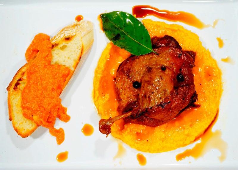 Рецепт приготовления утки, тушенной в соевом соусе и меду фото