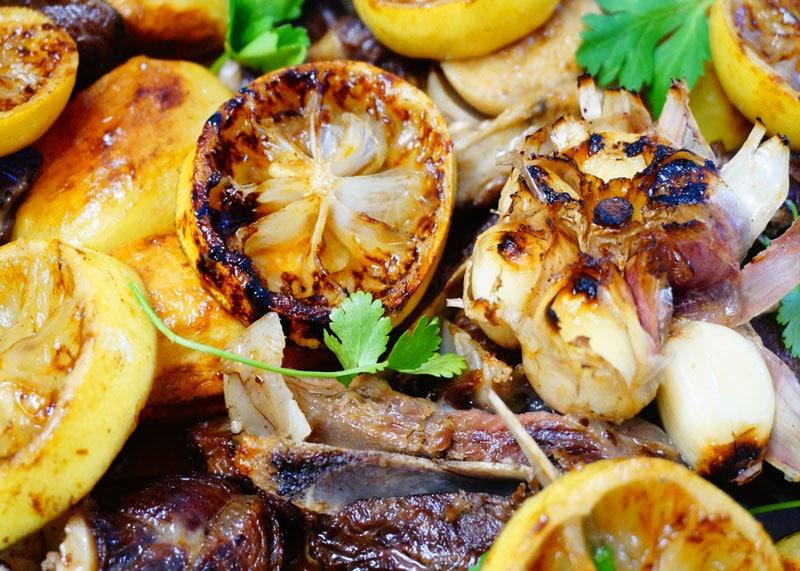Приготовление баранины в духовке с картофелем и лимонами фото