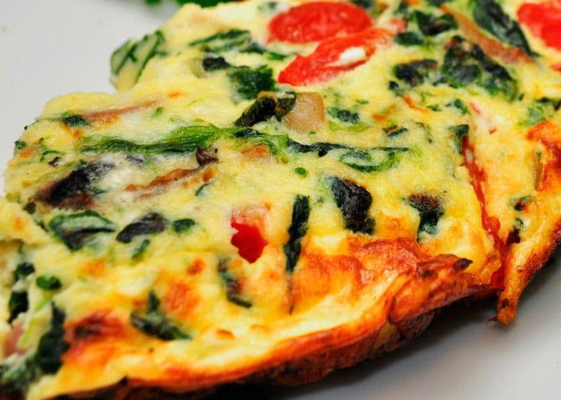 Рецепт приготовления фритатты с картофелем, брокколи, помидорами и сыром фото