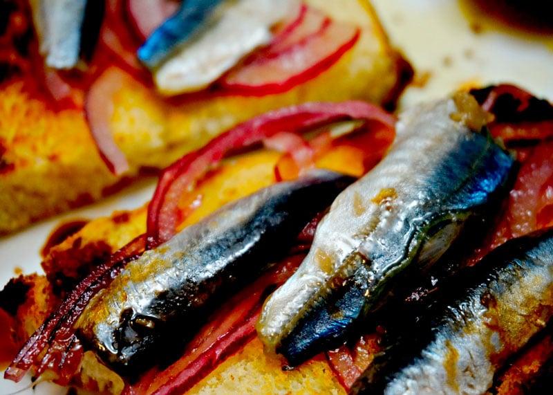 Рецепт приготовления хамсы керченской в чесночном маринаде фото