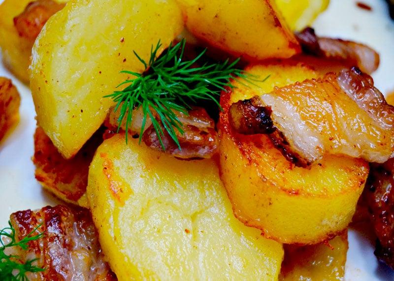 Как приготовить картофель со шкварками фото