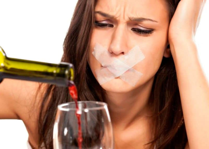 Красное вино приносит пользу фото