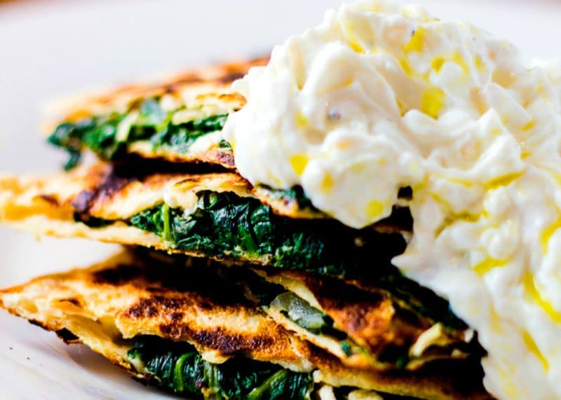 Рецепт лепешек со шпинатом и сыром фото