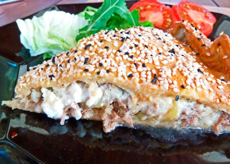 Рецепт мясного пирога по-критски фото