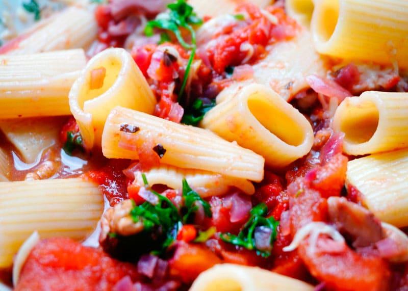 Паста ригатони с соусом рецепт фото