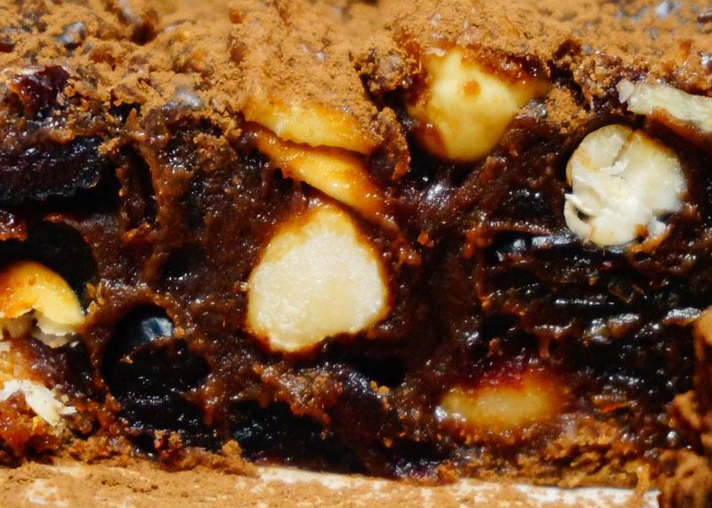 Приготовление пирога с клюквой и шоколадом фото
