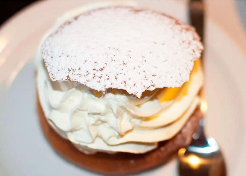 Рецепт булочек с кремом фото