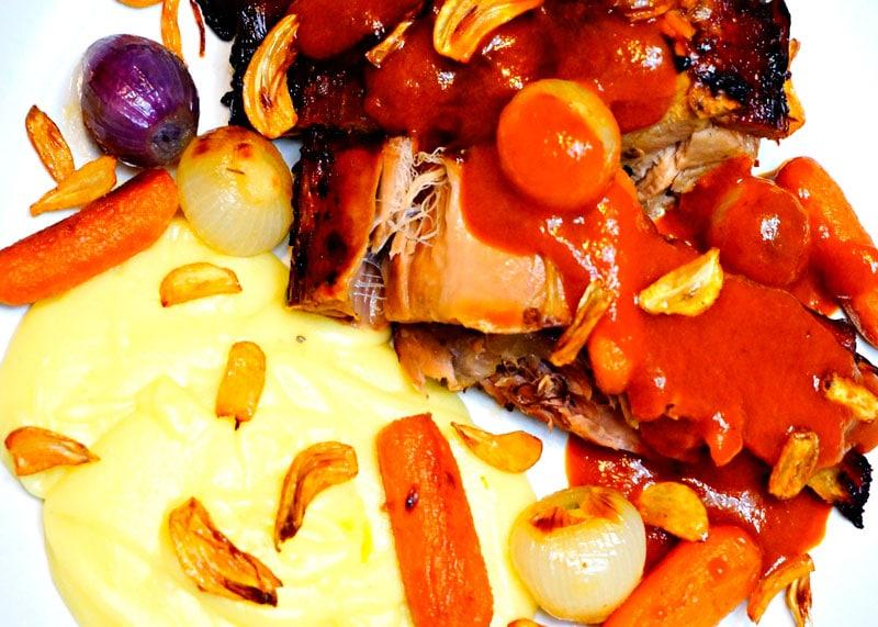 Рецепт телятины с соусом еспаньоль фото
