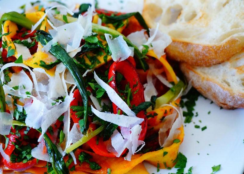 Рецепт приготовления яичной лапши в томатном соусе фото