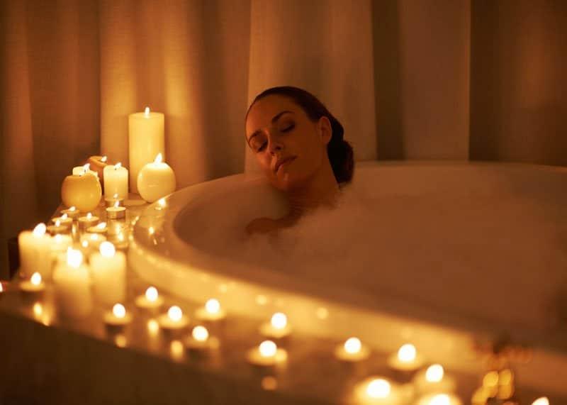 Польза горячей ванны фото