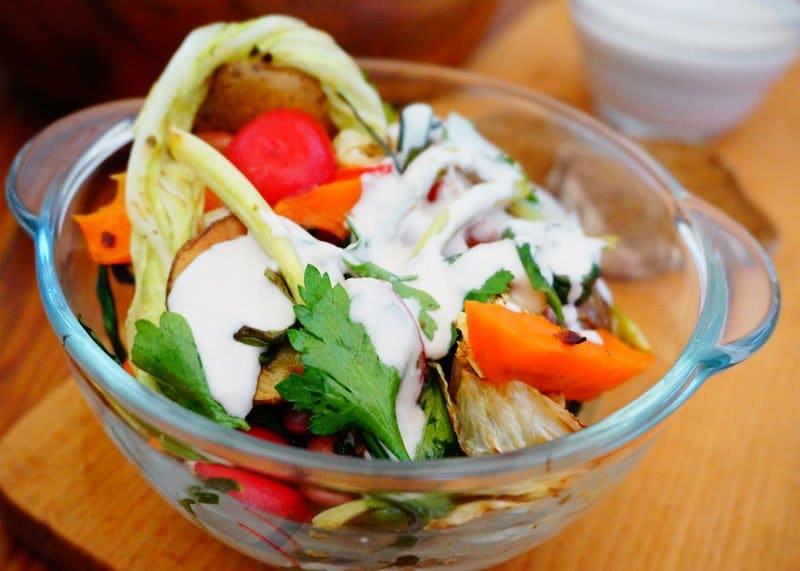 Приготовление салата из овощей и зелени рецепт фото
