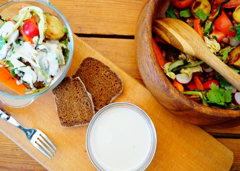 Рецепт салата из запеченных и свежих овощей фото