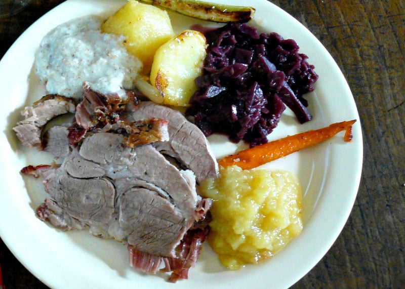 Свинина в духовке с овощами рецепт фото