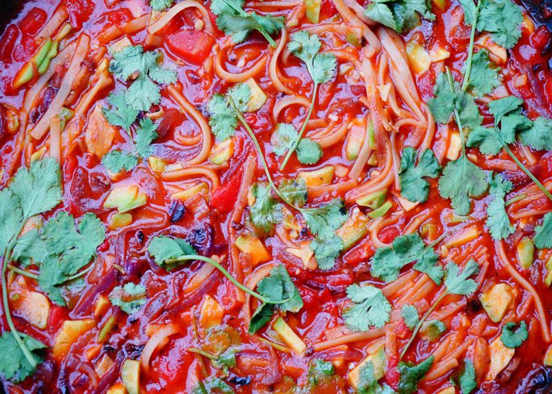 Рецепт приготовления томатного супа с лапшой фото