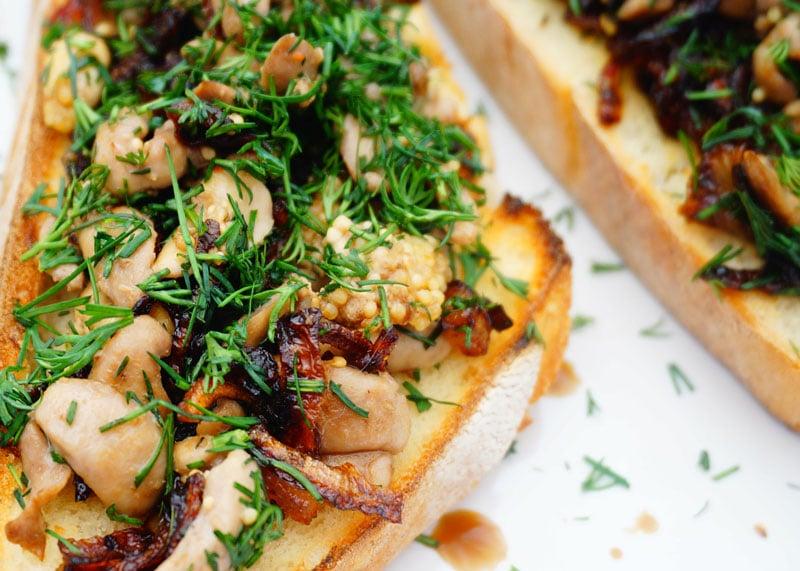 Гренки с рыбной печенкой рецепт фото