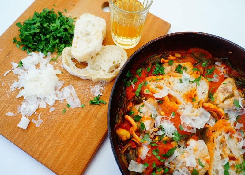 Приготовление рыбы в томатном соусе фото
