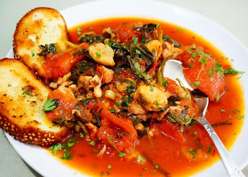 Рецепт рыбы, тушенной в томатной юшке фото