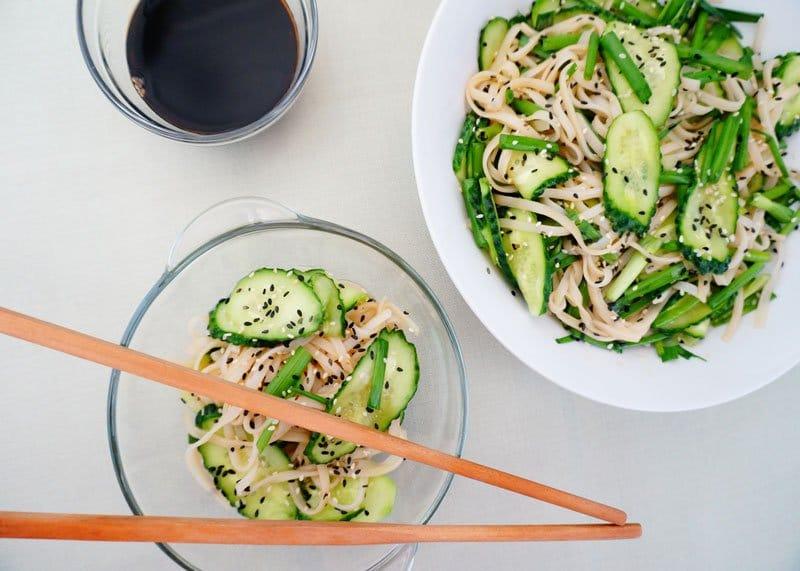 Рецепт салата из огурцов и вермишели фото