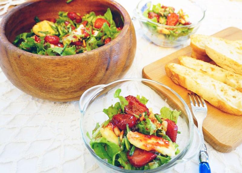 Салат с клубникой и брынзой рецепт фото