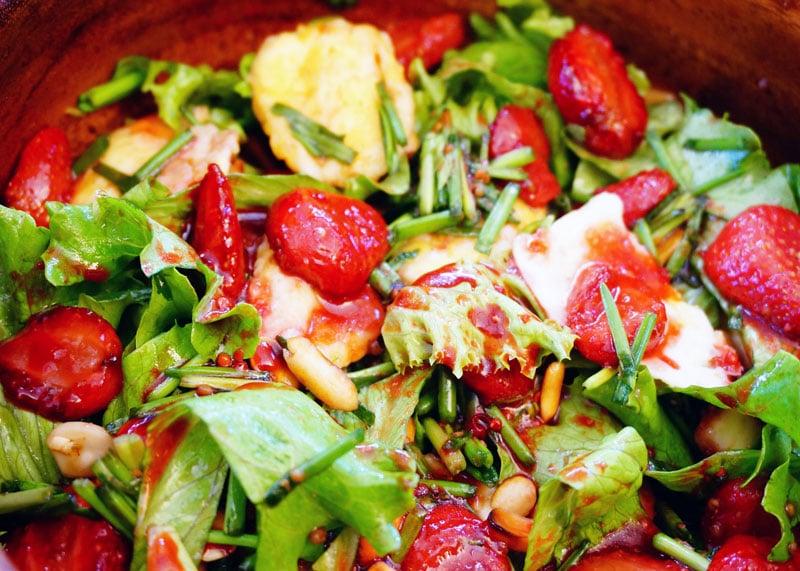 Салат с клубникой рецепт фото