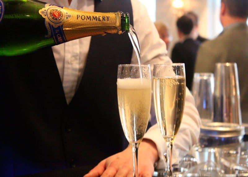 Послевоенное шампанское фото