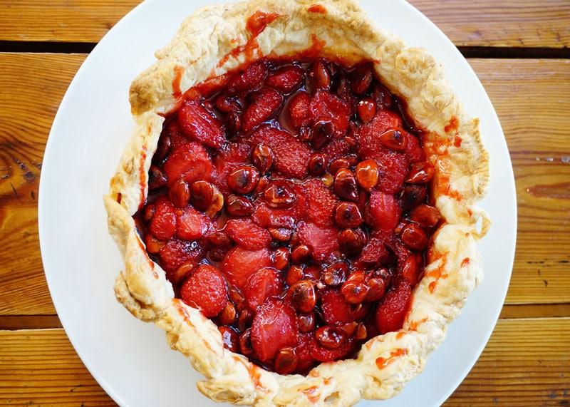 Пирог из клубники рецепт фото