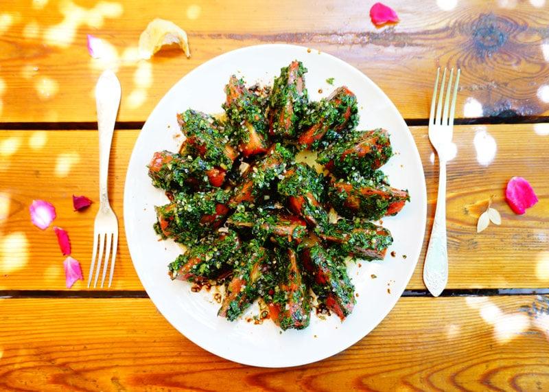 Помидоры с зеленью и чесноком рецепт фото