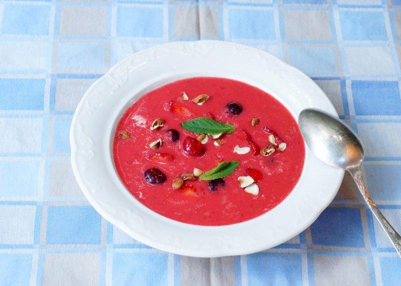 Приготовление супа из клубники фото
