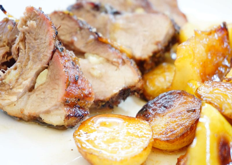 Рецепт свиной вырезки с картофелем и яблоками фото