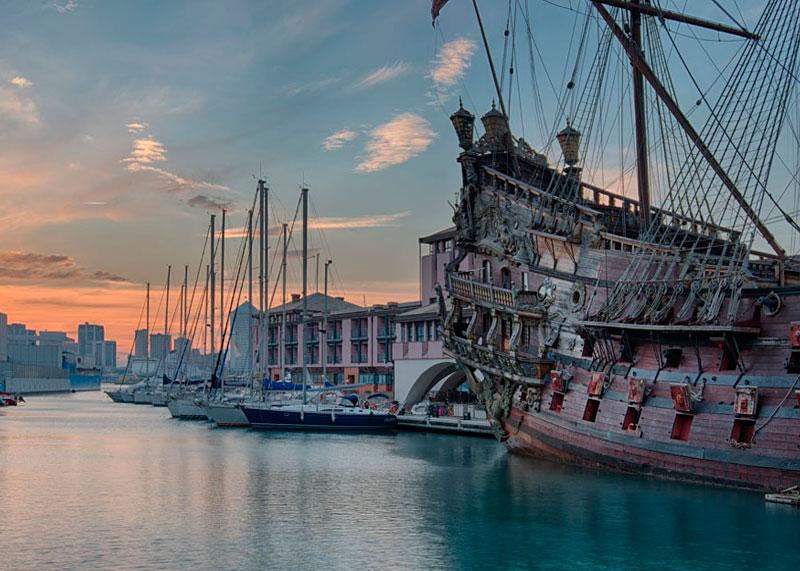 Город Генуя в Италии фото