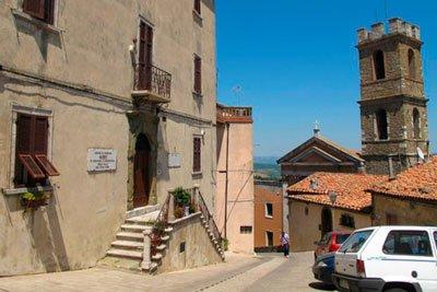 Город Манчано в Италии фото