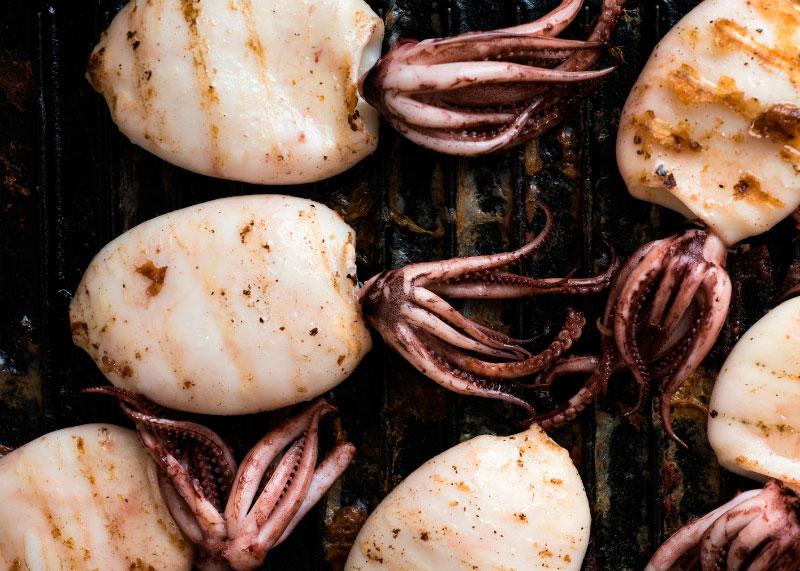 Рецепт жареных на гриле кальмаров фото