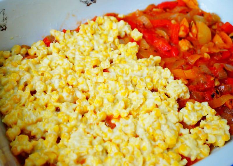 Запеканка из кукурузы с белым соусом фото