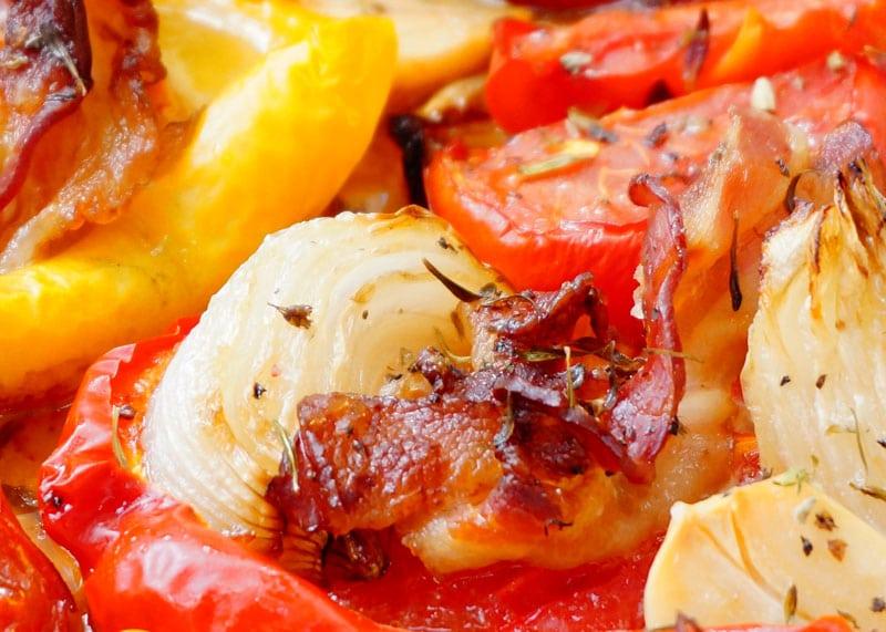 Рецепт запеченных перцев с беконом фото