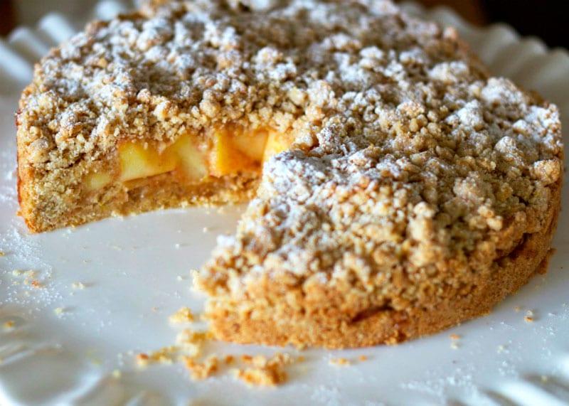 Пирог с яблоками сбричиолата фото