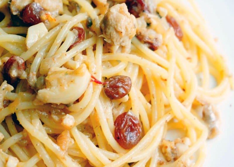 Спагетти с сардинами фото