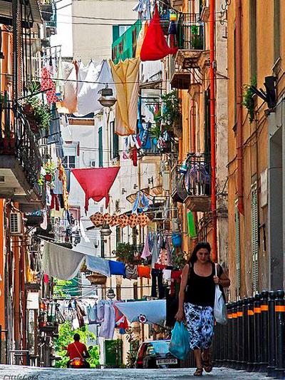 Улицы в Неаполе фото