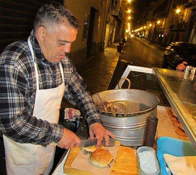 Уличная еда в Палермо фото